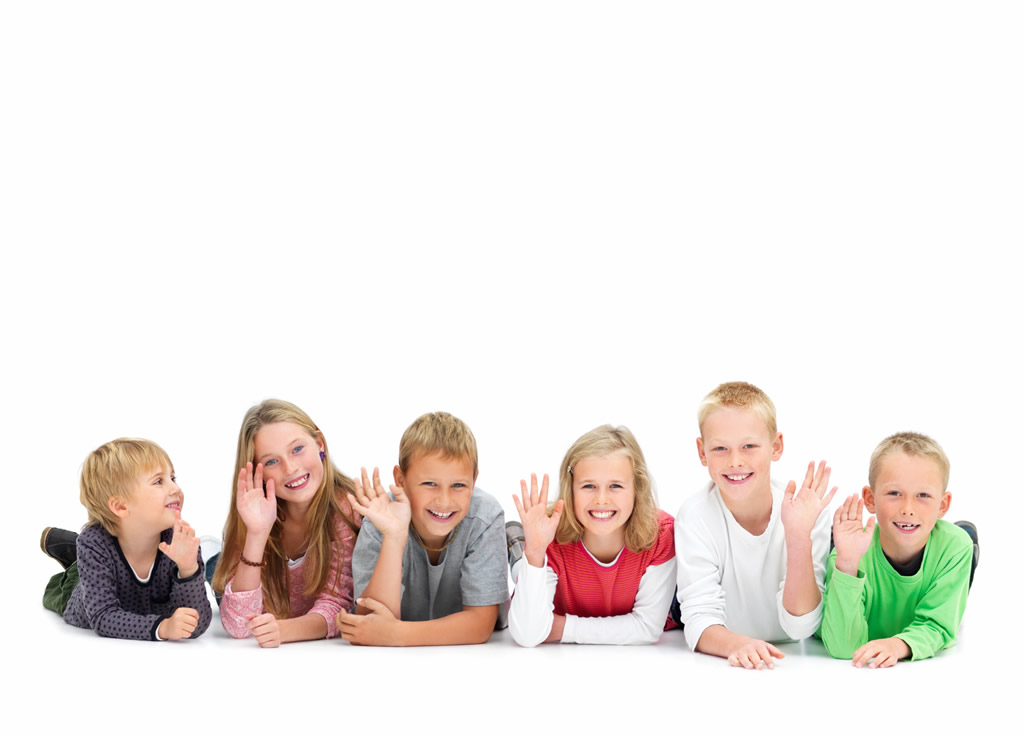 young-kids-waving-and-lying-on-floor-2